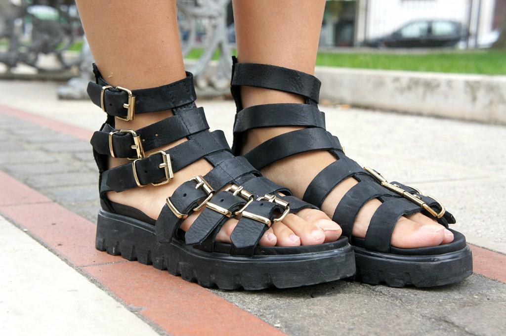 Sandali stringati Unlace