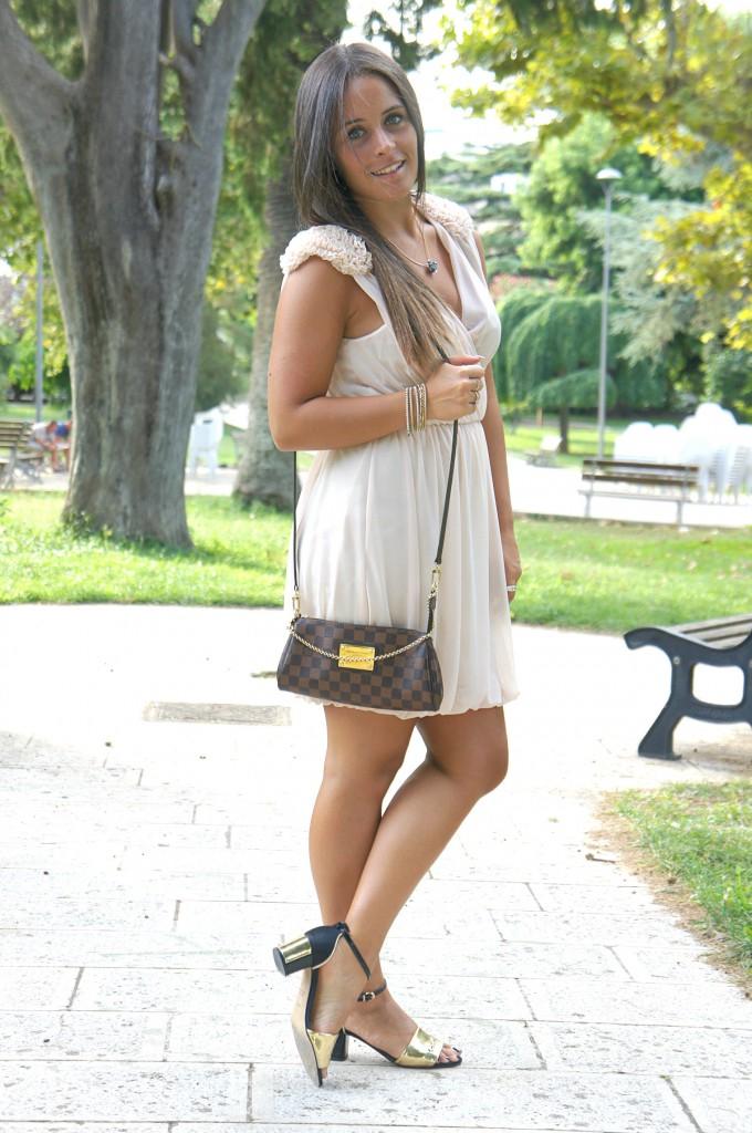 vestito color cipria