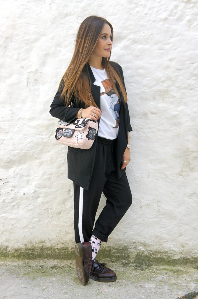 pantalone nero e giacca