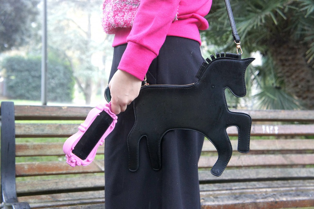 borsa a forma di cavallo
