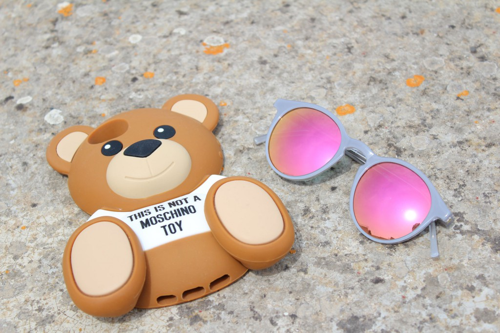 cover moschino teddy