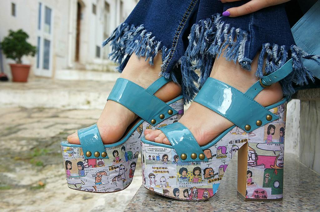 scarpe con fumetti