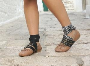 Ballerine Miu Miu con lacci: le scarpe più desiderate del momento