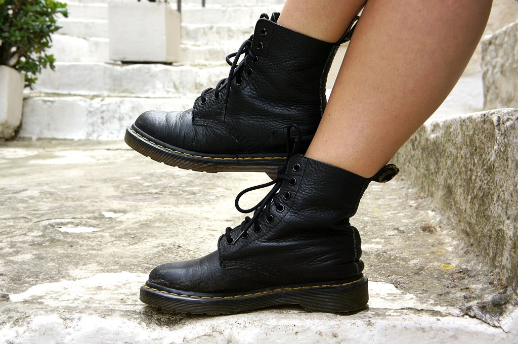 dr. martens boots street style