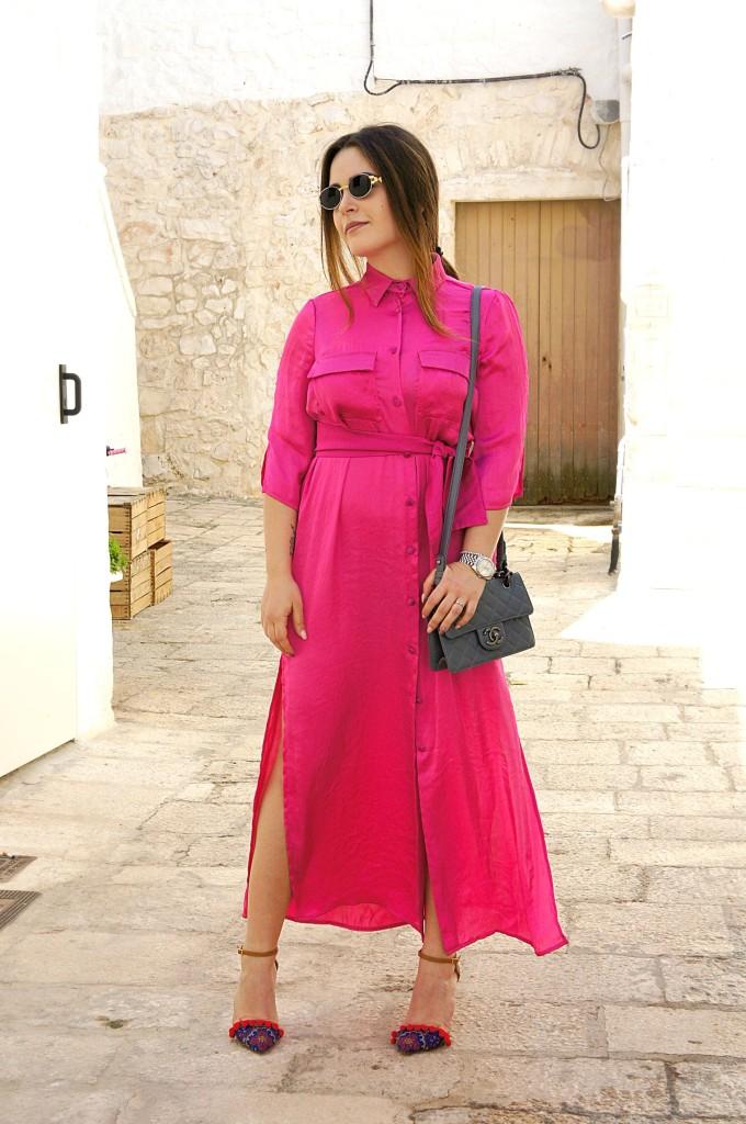 vestito fucsia street style